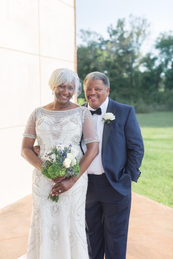 Mr. & Mrs. Moore | An Elegant SummerWedding